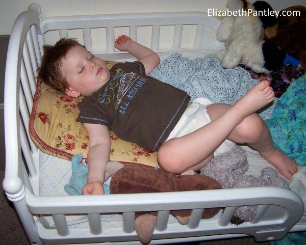 moving-crib-to-bed-pt1-elizabethpantley-mark-3yo